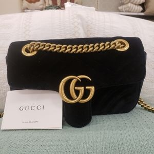 Brand New Exquisite Gucci Black Velvet Marmont Bag